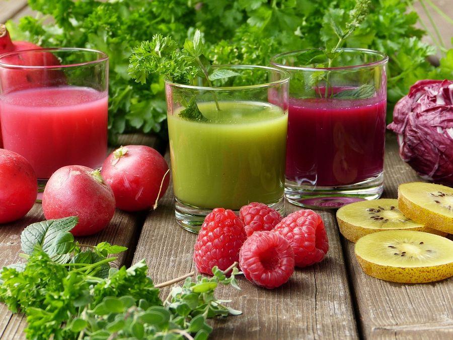 Letni koktajl owoce warzywa