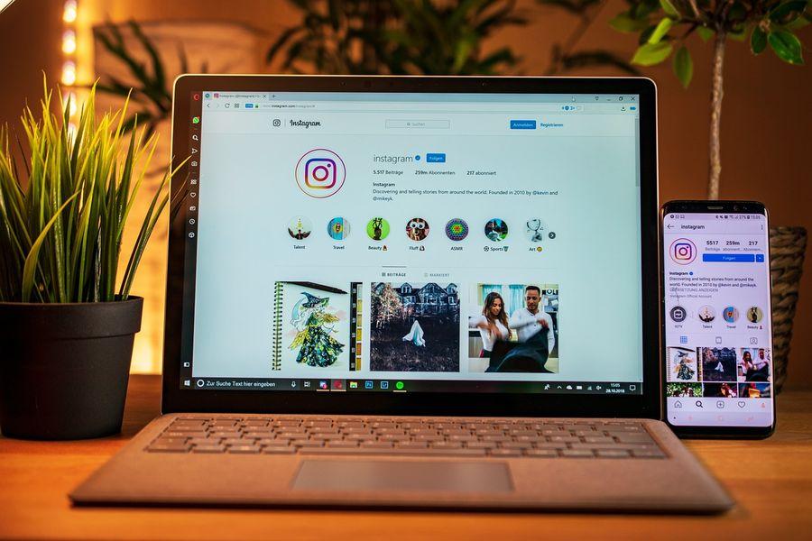 Instagram w laptopie